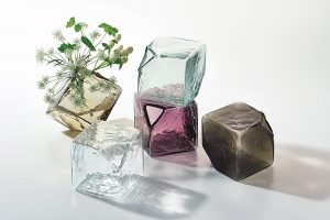 cubo vase sugahara group 1800