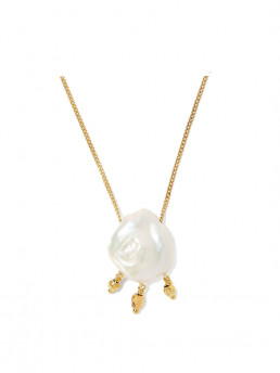 pearl necklace chan luu close up 2